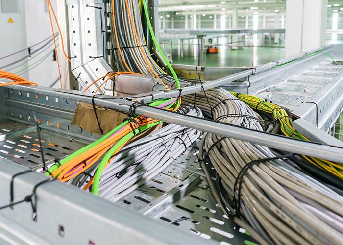 Fachgerechte Kabelverlegung, Netzwerkinstallationen, Elektroinstallation